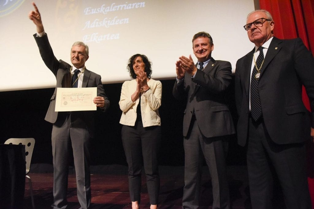 CIT was presented with the Diploma of Collective Friend by the Royal Society of Friends of the Basque Country 3