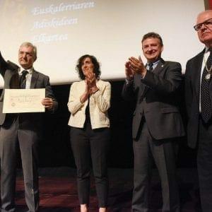 Real Sociedad Bascongada de Amigos del País hace entrega al CIT del Diploma que le acredita como Amigo Colectivo 57